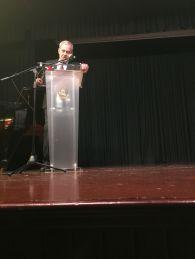 El Profesor José Gómez Asencio en su discurso de agradecimiento.