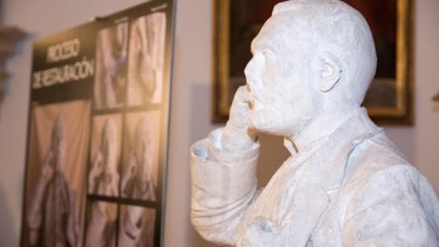 Busto restaurado por Alejandro Petit
